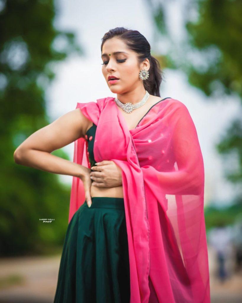 Rashmi Gautam Beautiful Stills in Lehenga
